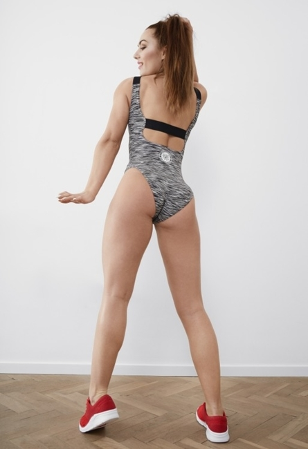 WAKE UP AND SQUAT BODY (odkryte plecy)